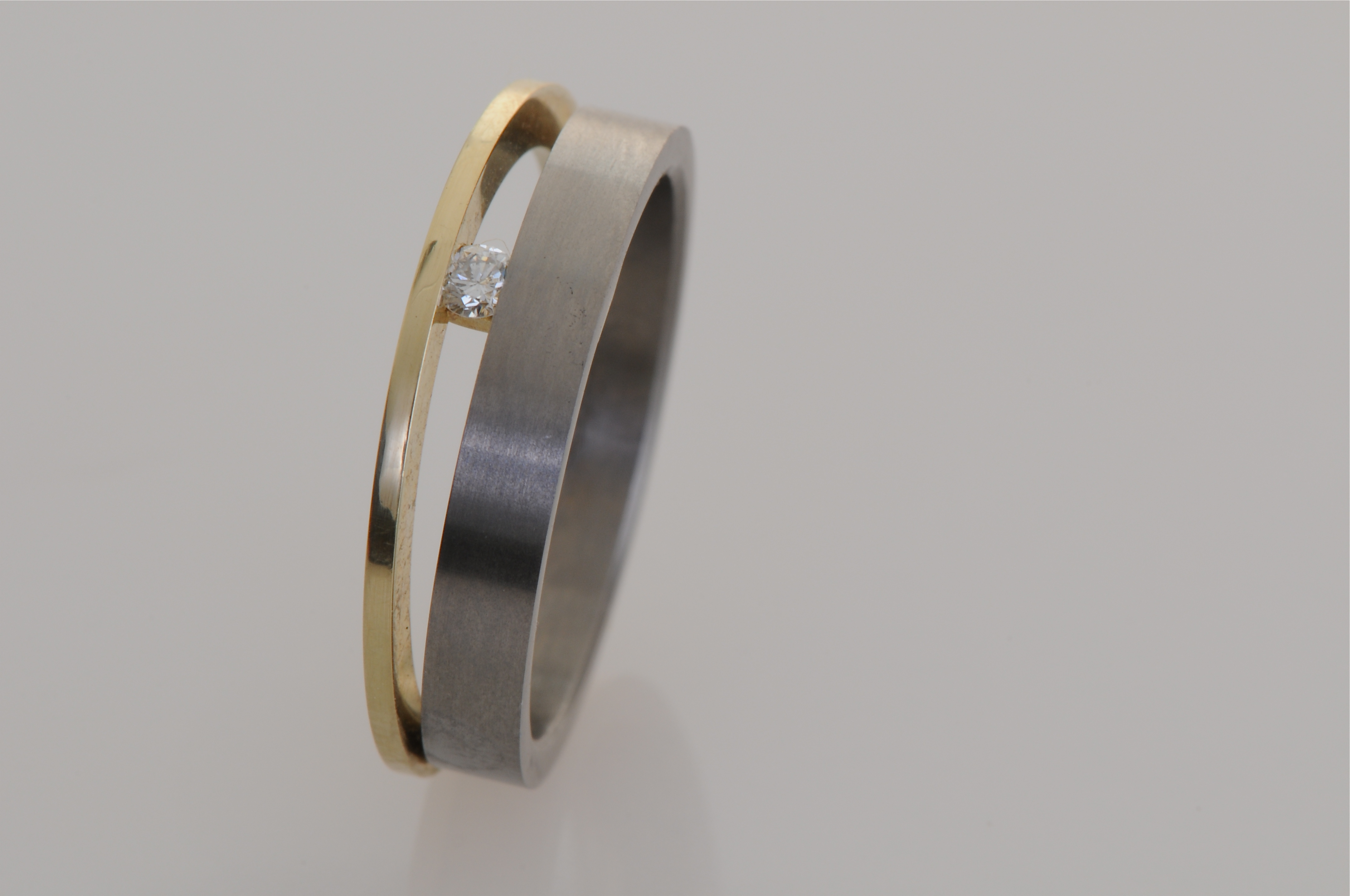 Ring 1106